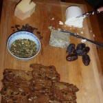 Québécois cheese and crackers