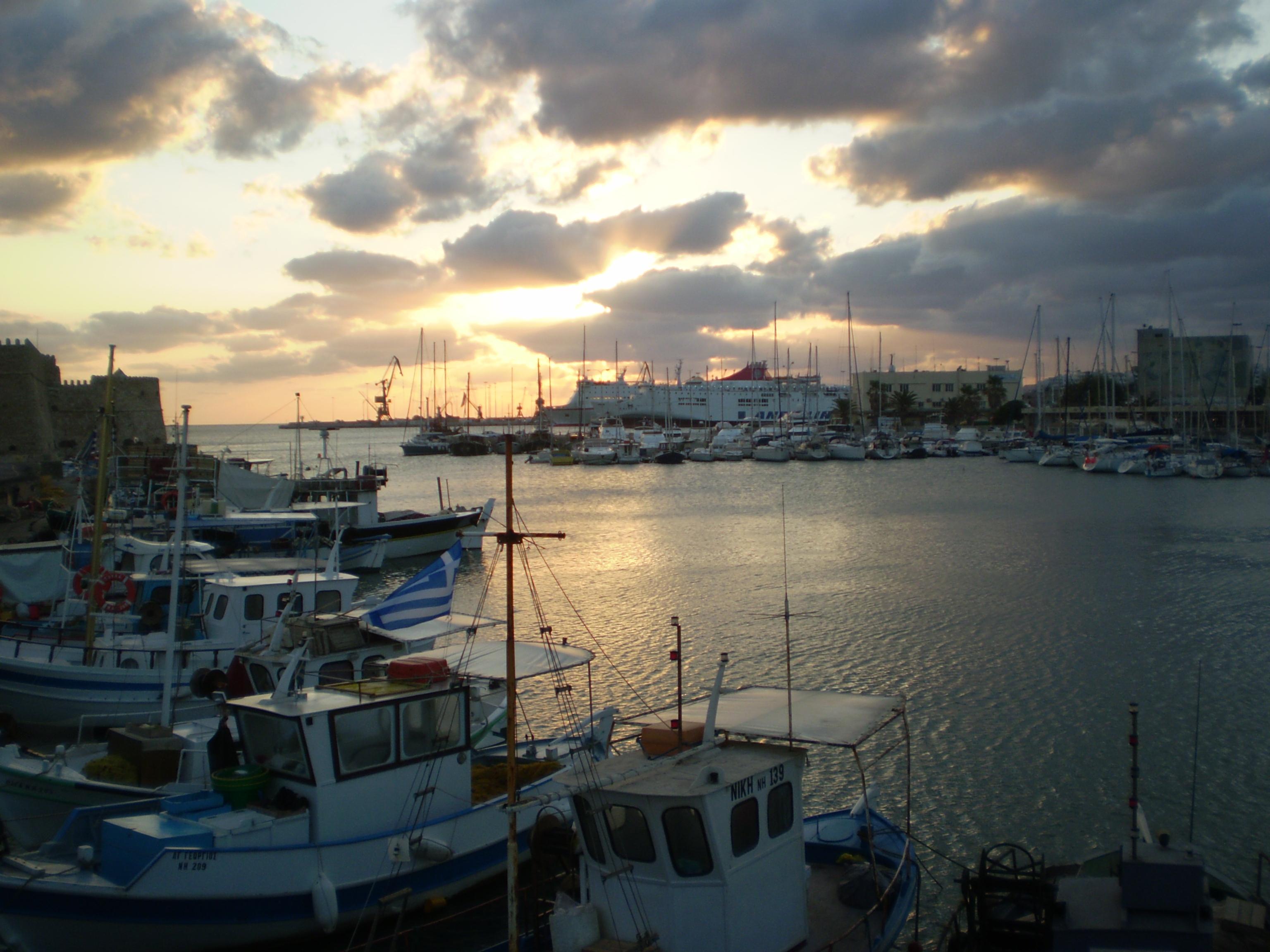 Dawn at the harbour at Iraklio, Crete